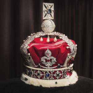 En kopia på drottningen av Englands krona.