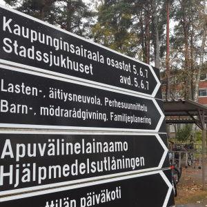 Kaupunginsairaalan osastot, äitiys- ja lastenneuvolat sekä apuvälinelainaamo Vaasassa