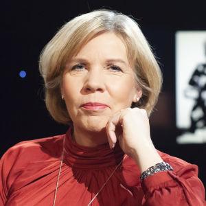 Anna-Maja Henriksson besöker samtalsprogrammet Daniel Olin.