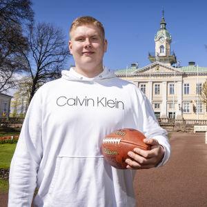 Olaus Alinen, LPLK amerikkalaisen jalkapallon pelaaja