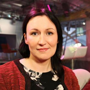Kirjailija Tiina Raevaara