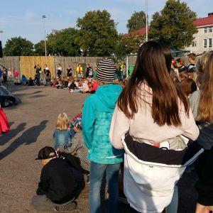 barn på skolgård