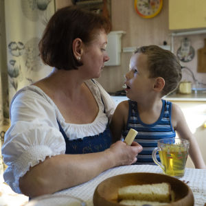 woman and her child in the kitchen
