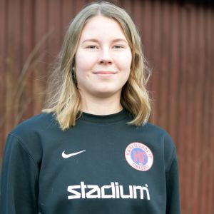 Porträttbild på Ida Adamsson.