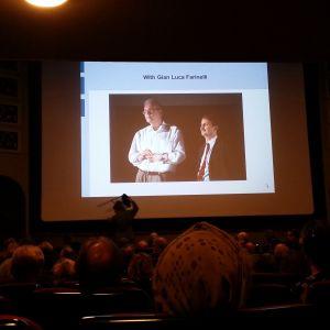 Elokuvateatteri Orionin katsomo, valkokankaalla kuva Peter von Baghisra