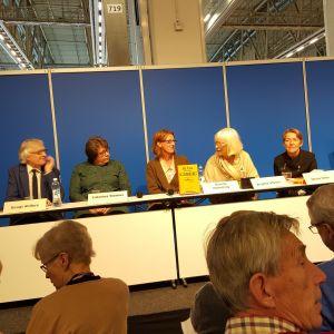 här går det under! caterina stenius historik över lilla teatern i helsingfors. 2015., hela panelen.