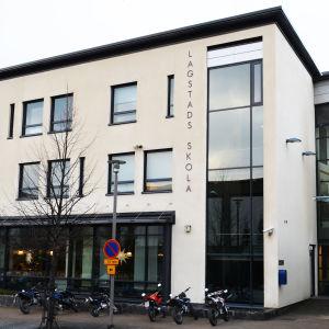 Lagstads skola i Esbo