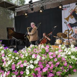 Juhani Aaltonen Quartet på Pori Jazz 2015. Juhani Aaltonen (saxofon), Iro Haarla (piano), Uffe Krokfors (bas), Reiska Laine (trummor)