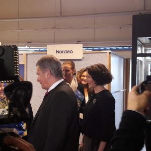 President Sauli Niinistö och fru Jenni Haukio på besök i Vasa.