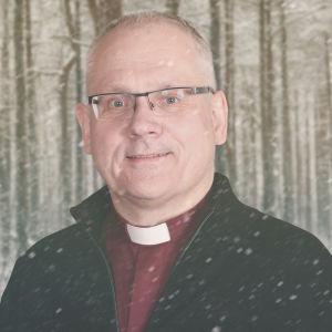 Biskop Bo-Göran Åstrand på Vegas vinterpratare kollagebild mot snöig skogsbakgrund.