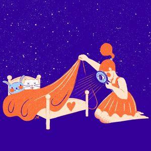 Kuvituskuva: Pieni tyttö katsoo suurennuslasilla peiton alle, jossa pehmolelut nukkuvat.