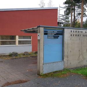 Gerbyn terveysaseman henkilökunta siirrettiin koronatestejä tekemään Vaasassa lokakuussa 2020
