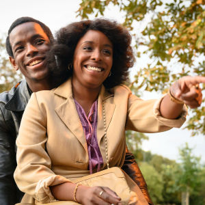Franklyn (Micheal Ward) ja Martha (Amarah-Jae St. Aubyn) elokuvassa Lovers Rock