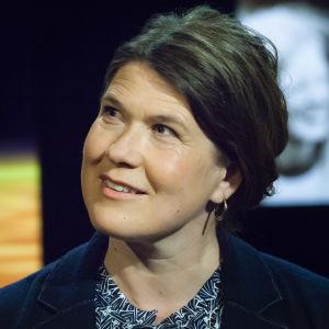 Cecilia Sahlgren i tv-studio.