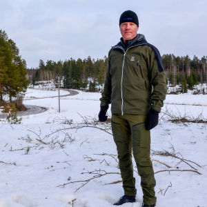Lars Salomaa i vinterterräng.