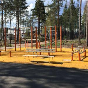 Koulun piha-aluetta Imatralla.