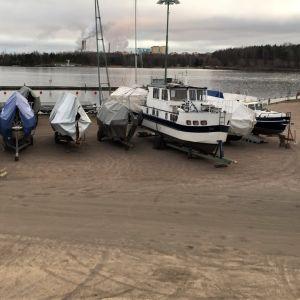 Kesällä 2021 Lappeenrannan satamaan pyritään avaamaan matkaparkki karavaanareille. Paikka on hiekkalinnan vieressä.