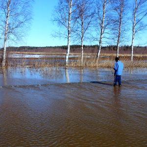 Vattnet på riksväg 8 var stundtals knädjupt