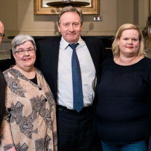 Helsingin vierailullaan näyttelijä Neil Dudgeon tapasi maanantaina 12.2. joukon Midsomerin faneja iltapäiväteellä.
