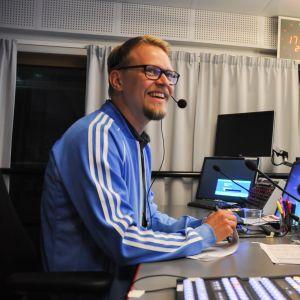 Kuvassa urheiluohjaaja Tuomas Jauhiainen