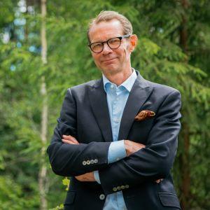Suomi on metsäläinen -sarja lähtee tutkimusmatkalle metsäläisyyteen.