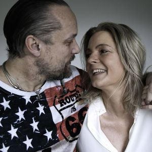Tanskalaiset naiset ja miehet kertovat dokumenttisarjassa keski-ikäisen elämästä.