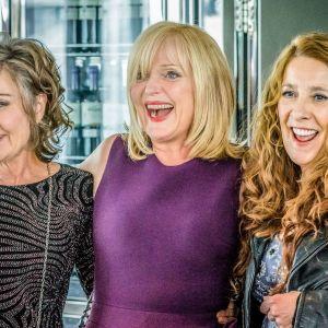 Kuusiosainen brittisarja kertoo kolmesta naisesta ja heidän pitkästä ystävyydestään.