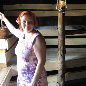 Anne Kalmari saunassa