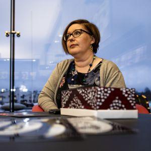 Kirjastonhoitaja Sanna Näätänen