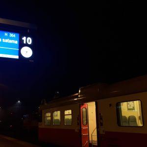 Juna lähdössä Kouvolasta Kotkan satamaan.