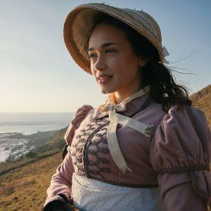 Brittiläinen draamasarja nuoren naisen elämästä pienessä merenrantakaupungissa. Pääroolissa Rose Williams.