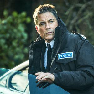 Amerikkalaisen poliisipäällikön roolin näyttelee Rob Lowe.
