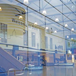 Welcome to Oulu mainos Oulun lentoasemalla.