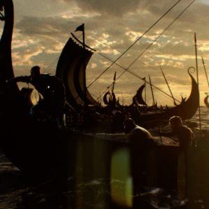 Historiadokumentti viikinkisotureiden joukkohaudan arkeologisista tutkimuksista Lounais-Englannissa.