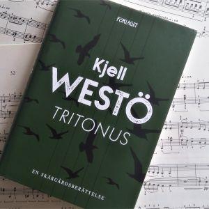 """Pärmen till Kjell Westös roman """"Tritonius""""."""