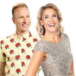 Mikko Kekäläinen ja Ella Kanninen hymyilevät kameralle.