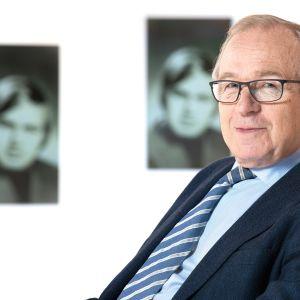 Pitkän linjan vaikuttaja Erkki Liikanen kertoo elämästään ja urastaan Itse asiassa kuultuna -ohjelmassa.