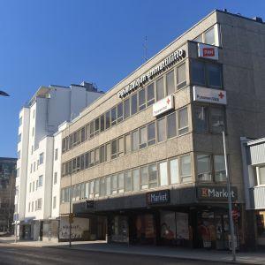 Uusikatu 22 Oulun keskustassa.
