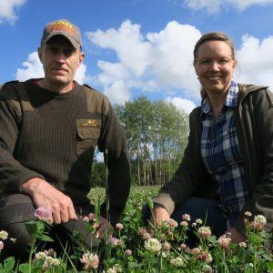Eliisa ja Mika Malin pitävät kasvitilaa Vihdissä.