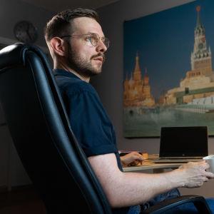 toimittaja Erkka Mikkonen