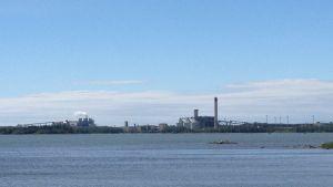 Vy över fabrikerna i Kaskö