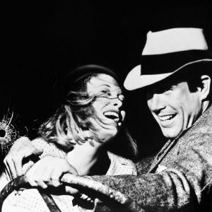 Faye Dunaway ja Warren Beatty elokuvassa Bonnie ja Clyde, 1967