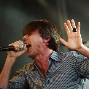 Suede-yhtyeen keulakuva Brett Anderson.