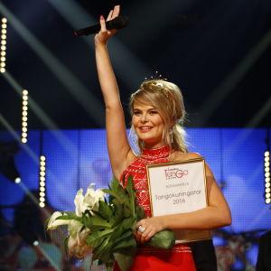 Tuore vuoden 2016 tangokuningatar Erika Vikman.