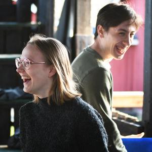 Merete Lindholm och Stefan Fröjdman repeterar på Postbacken 2020.