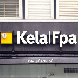 FPA:s logga på en byggnad.