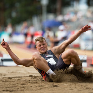 Kristian Bäck hoppar längd, 2018.