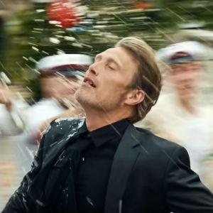 Mads Mikkelsen elokuvassa Yhdet vielä