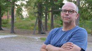 Kristian Friman besökte invånarkväll om flyktingförläggning