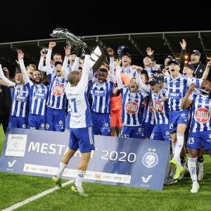 HJK firar ligaguld 2020.